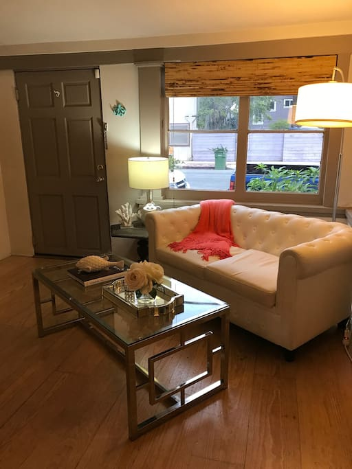Clean & professionally designed living room