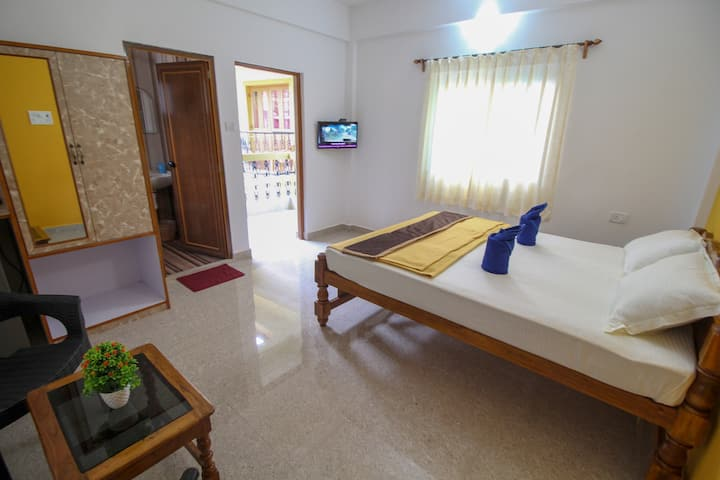 Spacious AC Rooms Close to Baga Beach & titos