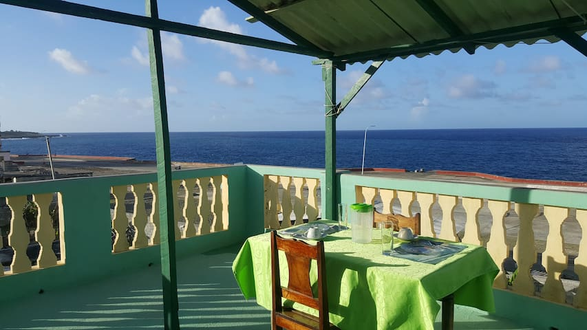 ★Oceanfront Paradise for a family★Next to Viazul★