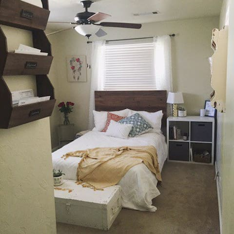 Quaint Guest Room - Redding - Haus