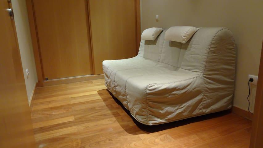 Bedroom 3 (Sofa bed)