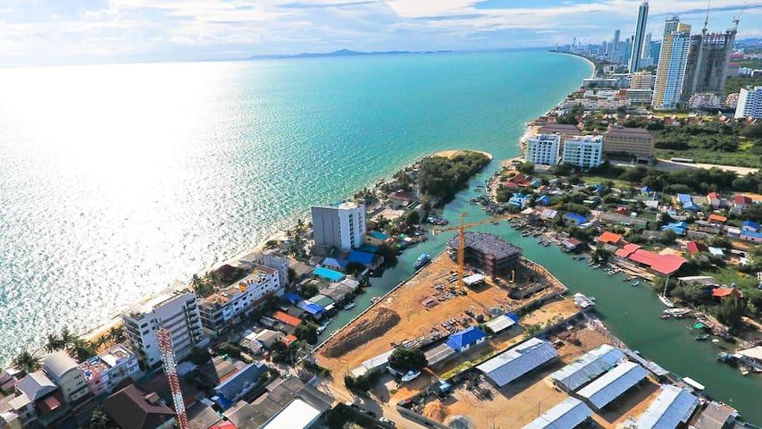 Big Beachfront Studio in Pattaya - FREE WIFI - Tambon Na Chom Thian - Apartmen