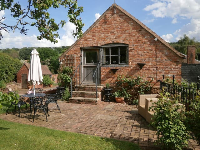 A cosy cottage Herefordshire, 5 miles from Malvern - Coddington - Huis