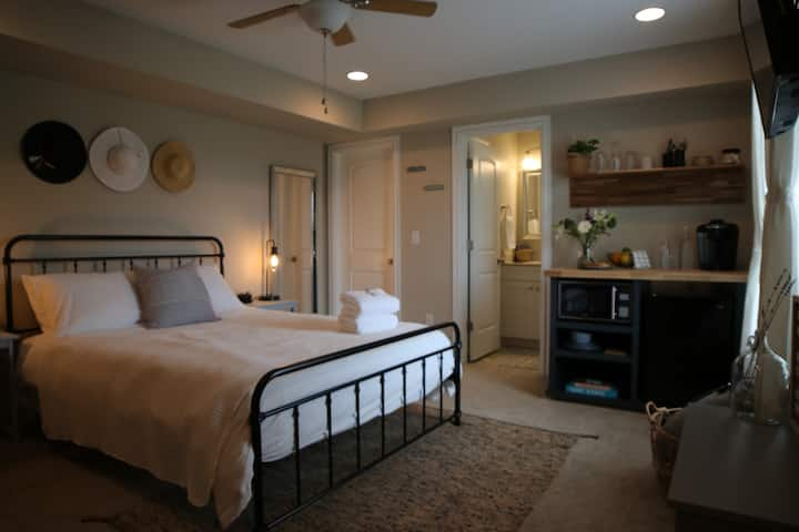 Private OBX getaway! Perfect spot for a couple!
