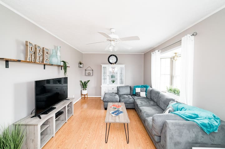 Large group?! This is your place!  Sleeps 12!
