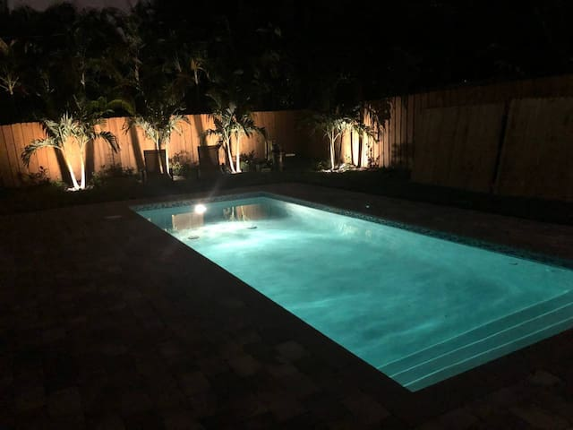 626A FLL Private Apt.- 1.5 mi to Beach & Las Olas