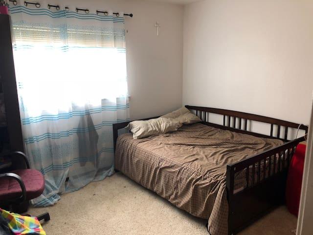 Cozy room, bathroom, kitchen, WiFi , washer&dryer