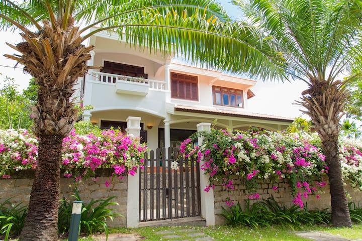 Villa C12 Mui Ne Domaine near Beach, FRESH AIR