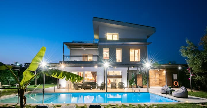 Luxury Enervillas Nefeli Pool Bbq Patra near sea