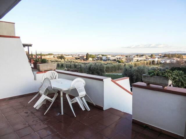 Sonnige Terrassen + Garten mit 4 Schlafzimmern