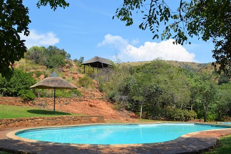 Family Home in Silkaatsnek Nature Reserve - Hartbeespoort - 度假屋