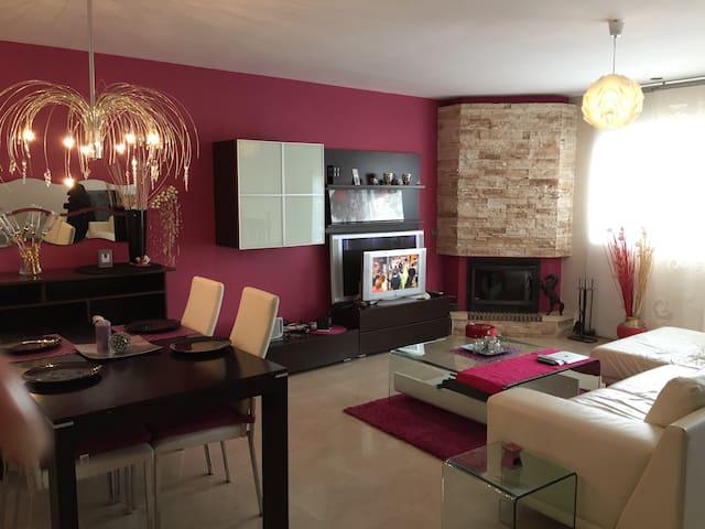 Preciosa casa en Almería se alquila - Almería - Dom