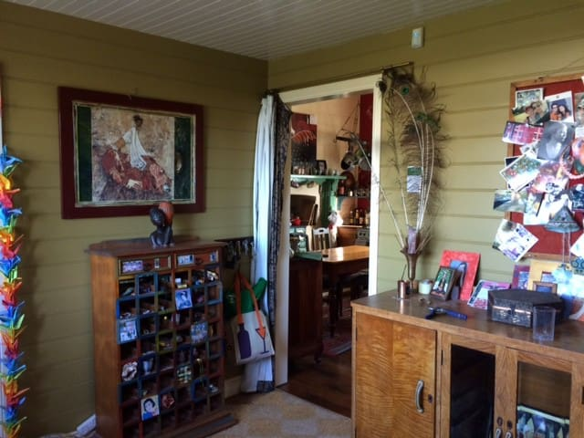 Quirky Heritage Haberdashery Shop ,2 bedroom house