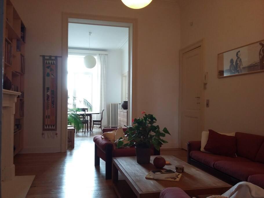 appartement meubl chaleureux et spacieux appartements louer ixelles bruxelles belgique. Black Bedroom Furniture Sets. Home Design Ideas