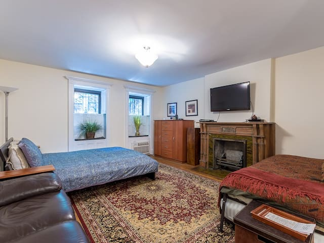 Studio Apt, one block from Central Park, W 69th St