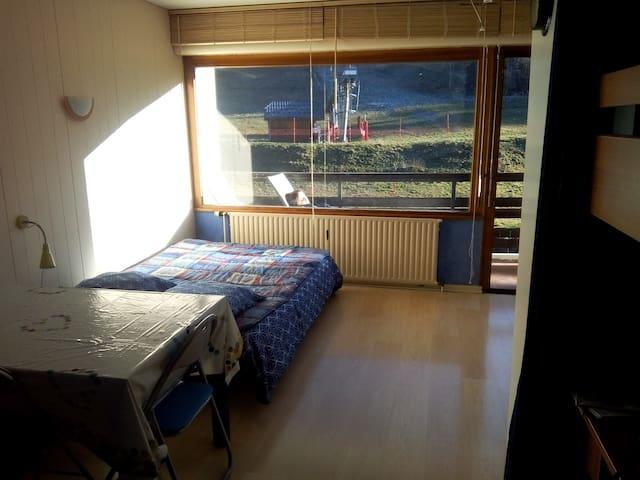 Appartement ensoleillé, face pistes - Aillon-le-Jeune - Appartement