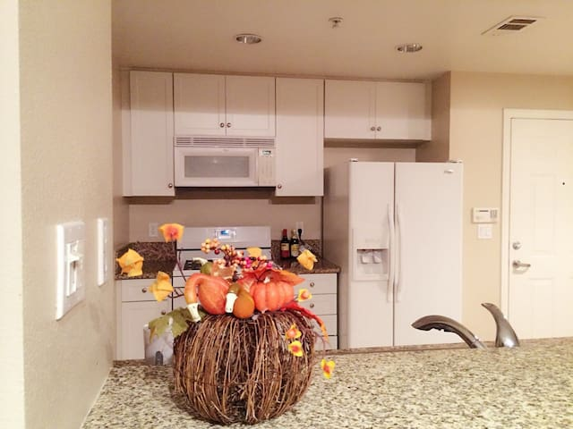 a luxury apartment(2 bedrooms) - Irvine - Bed & Breakfast