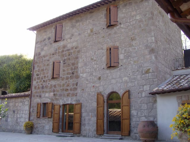 Farmhouse with pool - Sermugnano - House