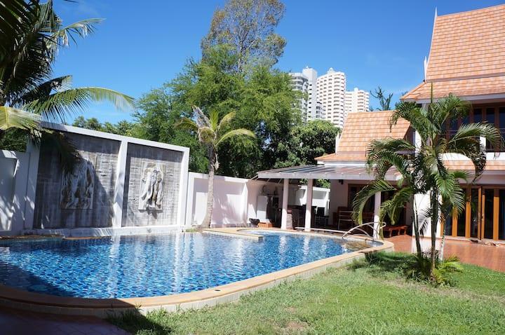 Oriental Thai Pool Villa 2 bedrooms