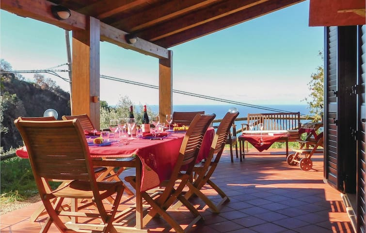 Holiday cottage with 3 bedrooms on 180 m² in Belvedere Marittimo CS
