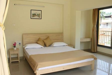 3Ac double deluxe aprtment miramar - Panjim - 独立屋