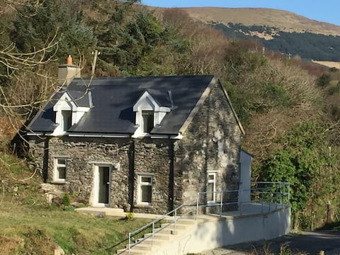 Lakeview Cottage, Castletownbere, Beara, Co. Cork