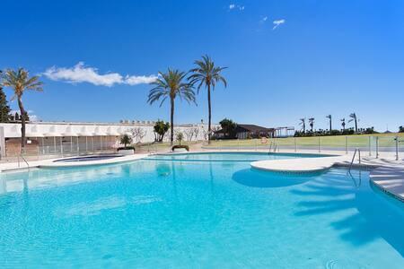complexe de vacances type village andalous avec accès direct plage. - Playa del Sol Villacana - Huoneisto