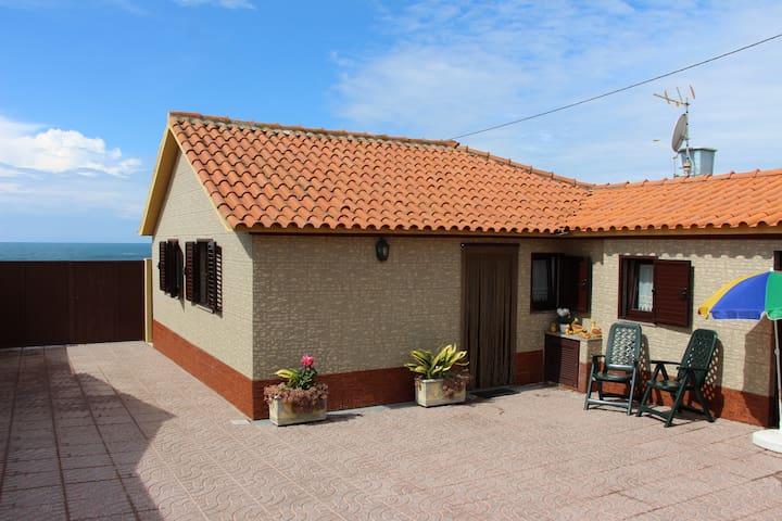 Casa para Férias junto à praia - Vila Chã - House