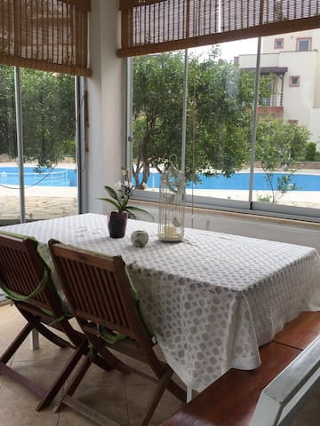 Turgutreis Apartment with Pool - Mugla - House