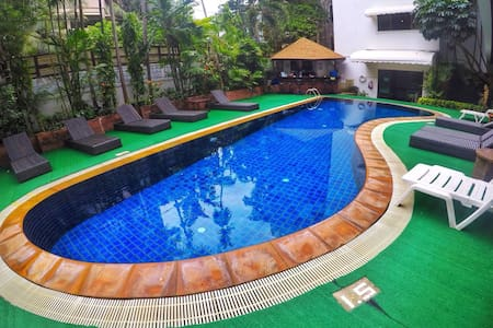 4 bedroom apartment in center of Patong Beach #D