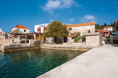 appartement bleu sur une île en bord de mer - Vodice - Apartament