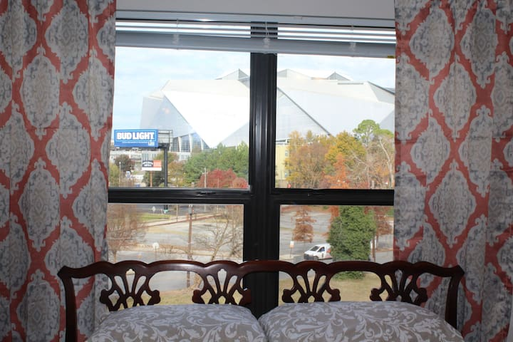 (Private Room) - Mercedes-Benz Stadium DWTN