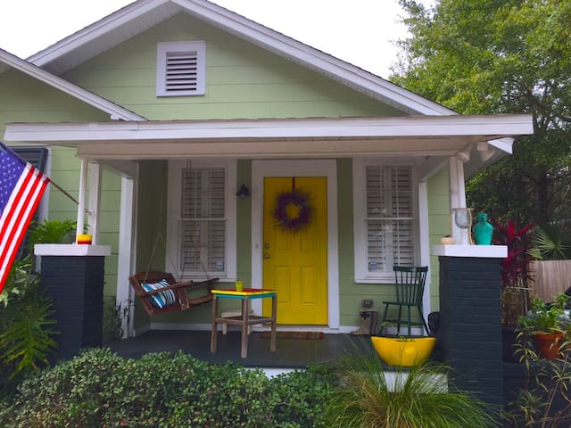 Cozy Downtown Bungalow - Pensacola - Dom