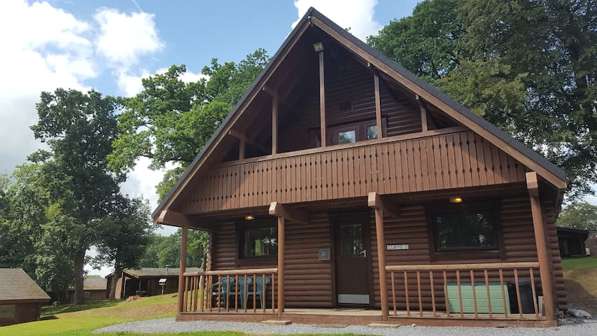Clywd 1 self catering spacious 2-storey log cabin
