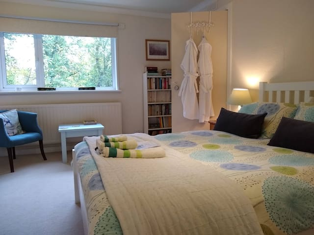 Double Bedroom en suite, near Loch Ness.