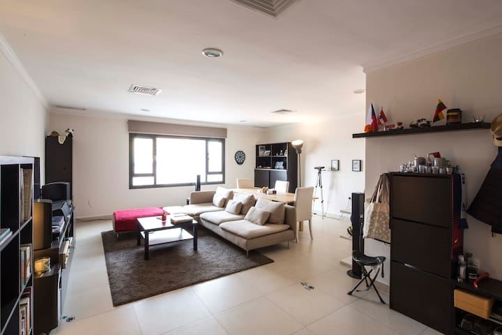 Cozy room in modern apartment - Salmiya - Lejlighed