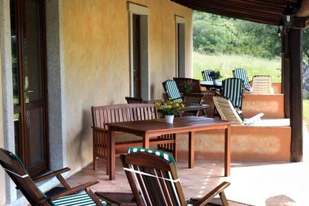Alloggio per famiglia immerso nel verde - Luogosanto - Hotel ekologiczny