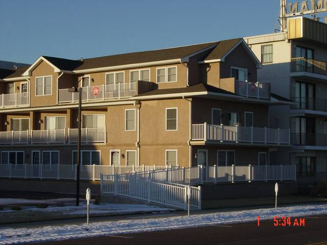 OCEANFRONT 3BR - North Wildwood, NJ - North Wildwood - Outros