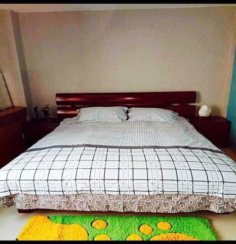 黄河穿城而过的兰州/市中心/交通方便温馨150平整套出租 - Lanzhou - Appartement