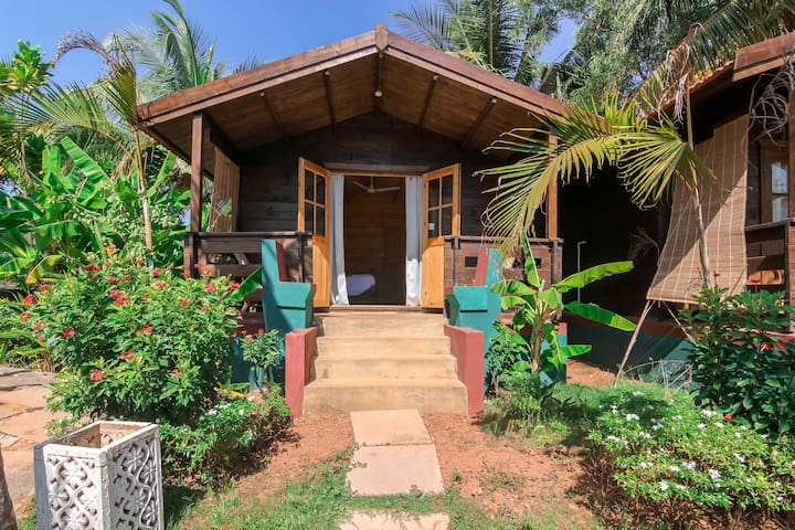 Supreme Wooden Cottage with Yoga Shalla