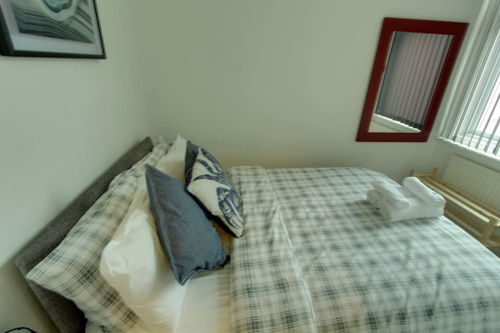 Reads Court, Bedroom - Starboard Apartment