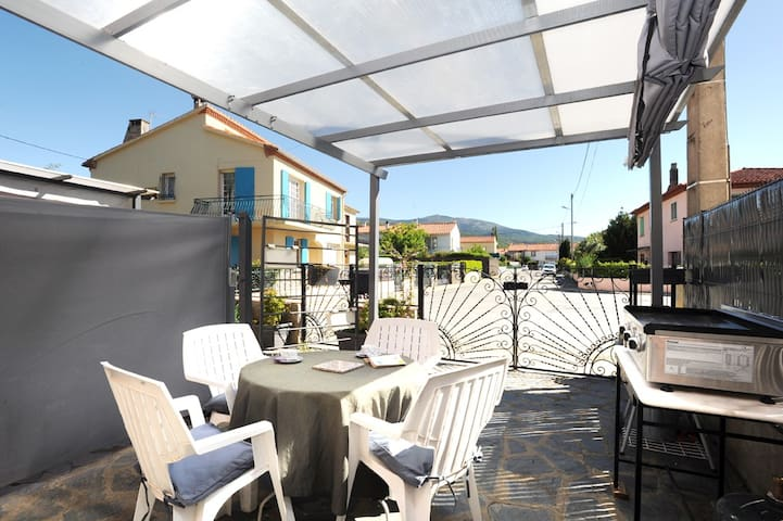 terrasse privative devant cuisine-salon