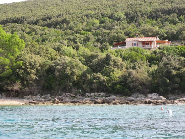 One bedroom Remote cottage, beachfront in Stivan, Terrace