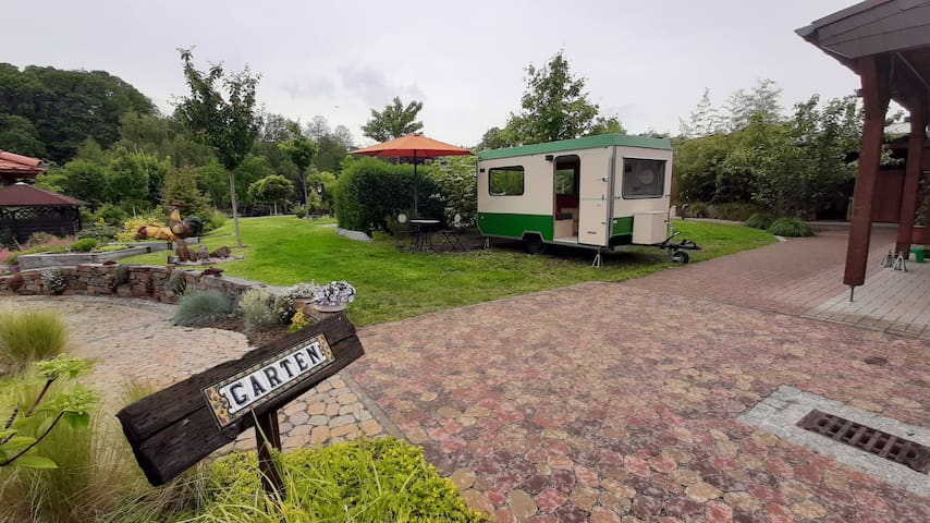 Die Sommerfrischler: Schlafen im Bastei-Wohnwagen