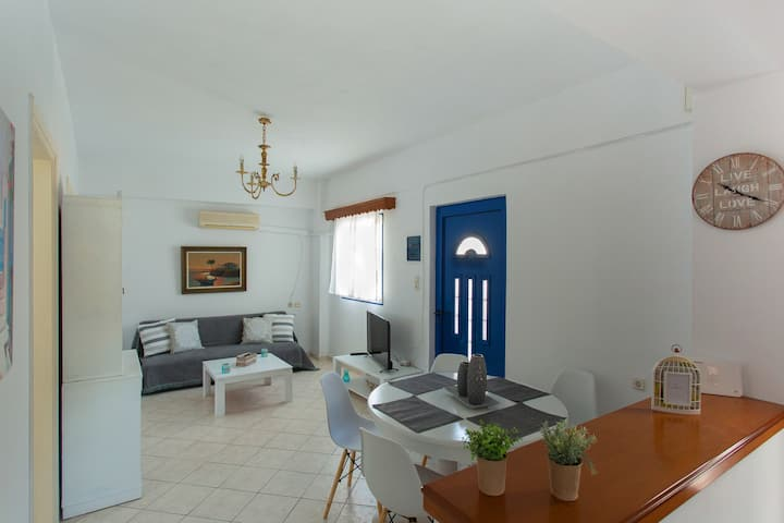 Kostos's summer house in Paros