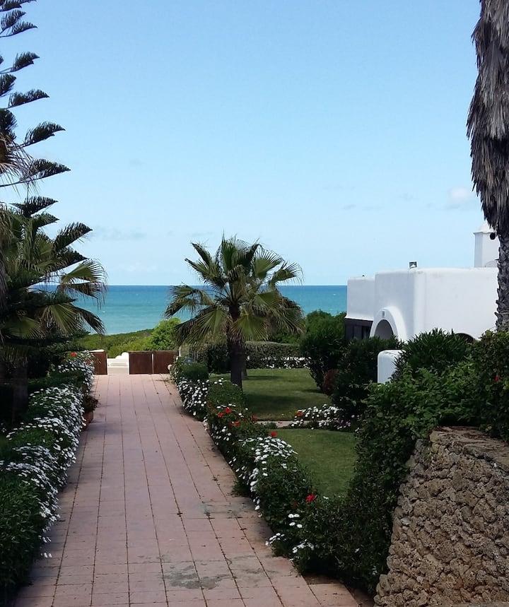 Villa meublée face à la mer + Golf et Verdure