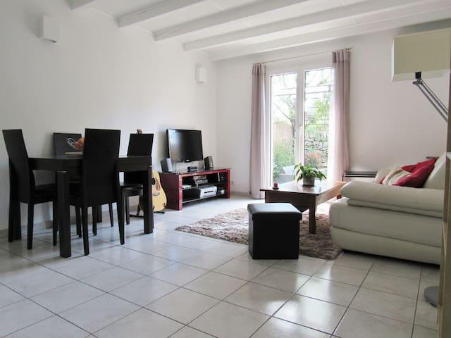 Chambre privée confortable et climatisée - Trets - Apartemen