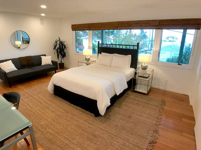 Spacious Suite w/ Private Entry, View
