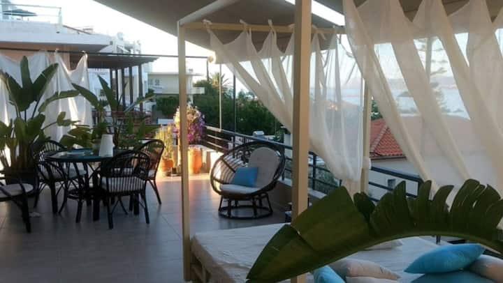 Golden View Villa 2 min from  the beach