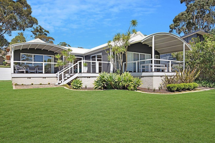 Akarana Beach House :: Jervis Bay Rentals